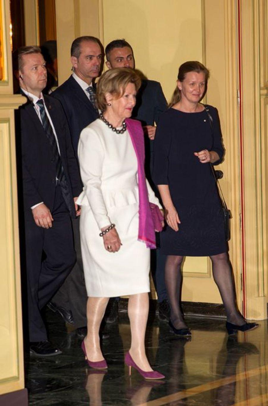 La reine Sonja de Norvège à Milan, le 8 avril 2016