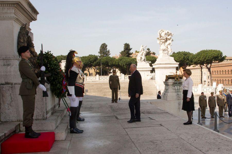 La reine Sonja et le roi Harald V de Norvège à Rome, le 7 avril 2016