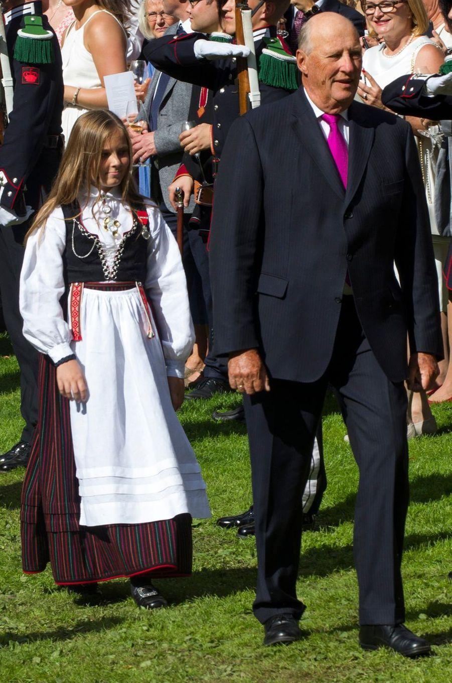 La princesse Ingrid Alexandra avec le roi Harald V de Norvège à Oslo, le 1er septembre 2016