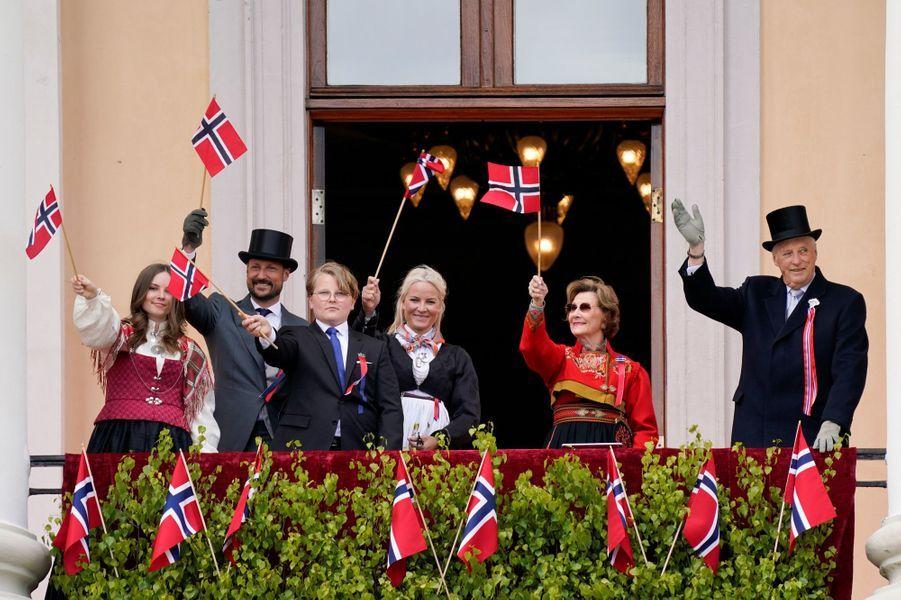 La famille royale de Norvège à Oslo, le 17 mai 2020