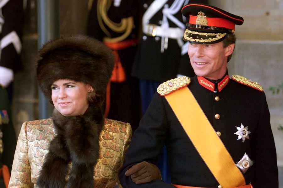 La grande-duchesse Maria Teresa et le grand-duc Henri de Luxembourg au mariage du prince Willem-Alexander des Pays-Bas etde Maxima Zorreguieta à Amsterdam, le 2 février 2002