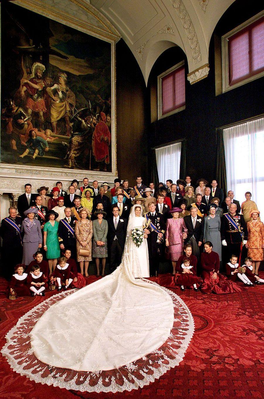 Maxima Zorreguieta et le prince Willem-Alexander des Pays-Bas avec leurs familles et et leurs invités le jour de leur mariage à Amsterdam, le 2 février 2002