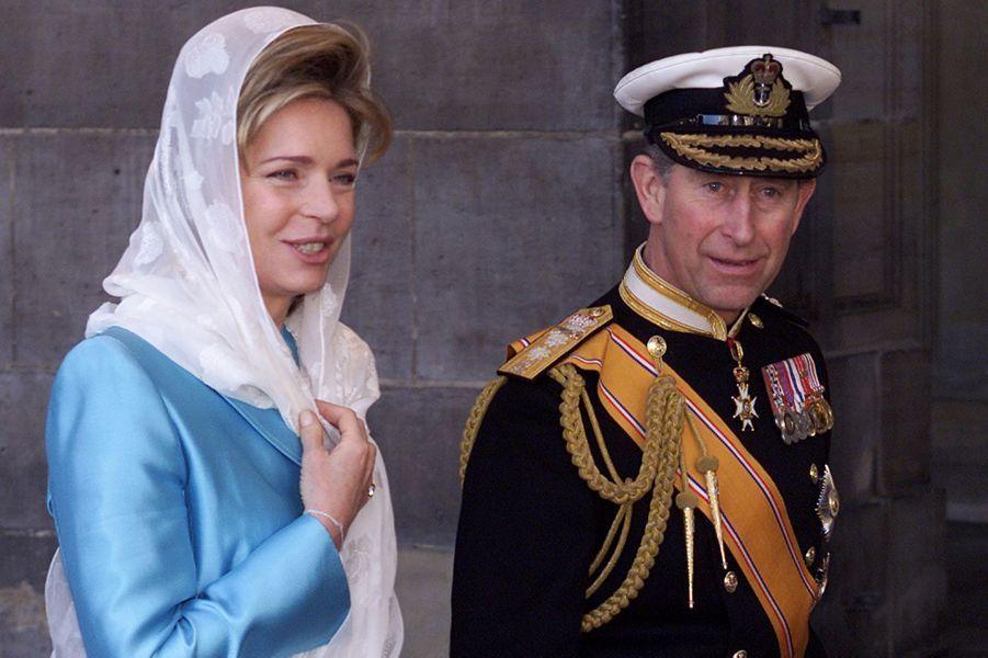 L'ex-reine Noor de Jordanie et le prince Charles au mariage du prince Willem-Alexander des Pays-Bas etde Maxima Zorreguieta à Amsterdam, le 2 février 2002