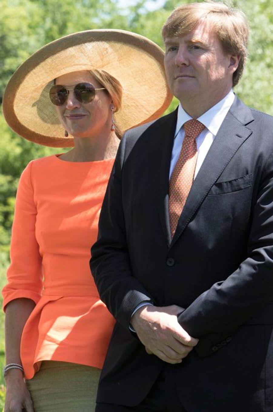 La reine Maxima et le roi Willem-Alexander au Frederik Meijer Gardens and Sculpture Park à Grand Rapids, le 2 juin 2015