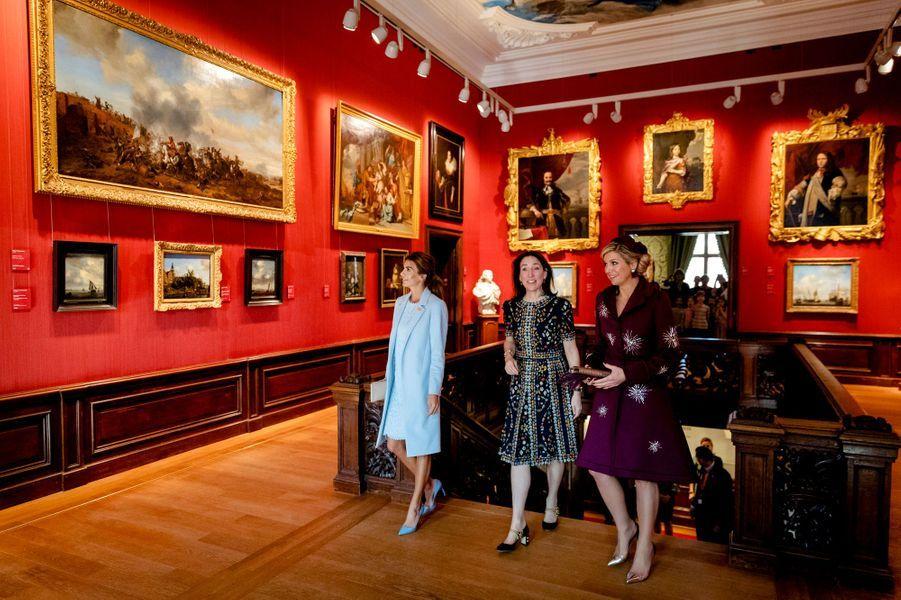 La reine Maxima des Pays-Bas et Juliana Awada au Mauritshuis à La Haye, le 28 mars 2017