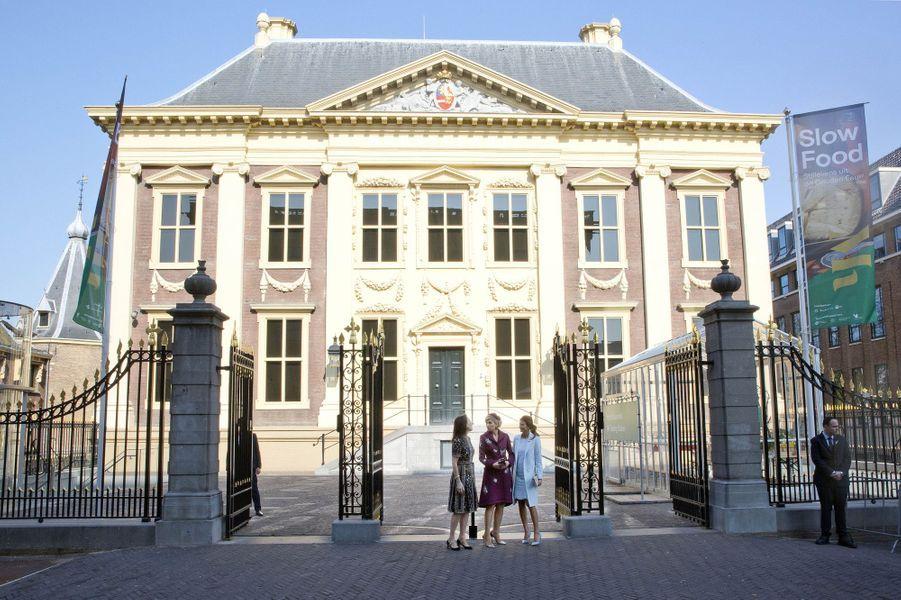 La reine Maxima des Pays-Bas et la First Lady d'Argentine Juliana Awada à La Haye, le 28 mars 2017