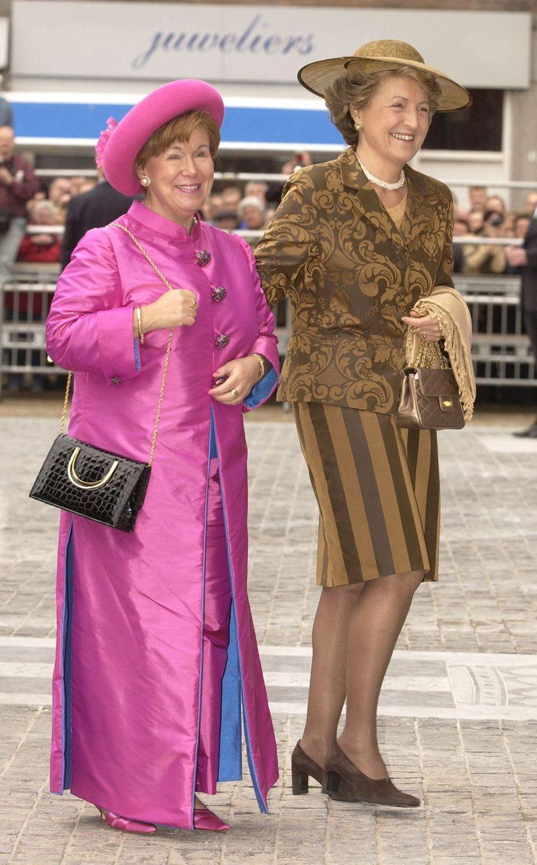 La princesse Christina des Pays-Bas avec sa soeur la princesse Margriet, le 24 avril 2004