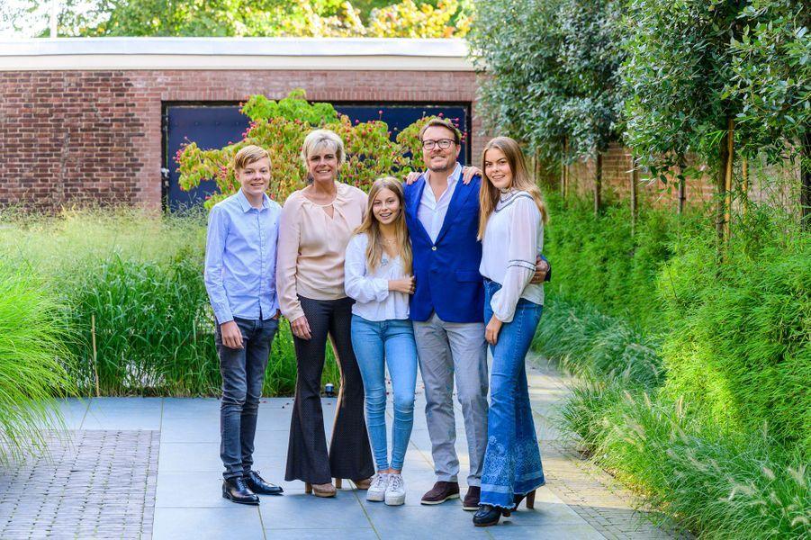 Le prince Constantijn des Pays-Bas, sa femme la princesse Laurentien et leurs enfants, en septembre 2019