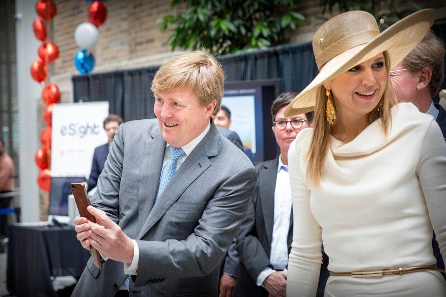 La reine Maxima et le roi Willem-Alexander au MaRS Discovery District à Toronto, le 29 mai 2015