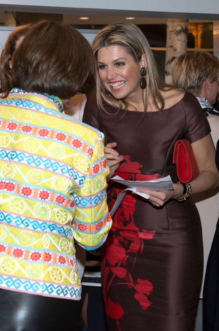 La reine Maxima des Pays-Bas à une réunion au théâtre Beatrix à Utrecht, le 14 avril 2015