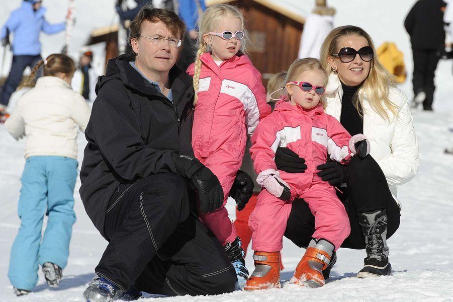 La princesse Mabel et le prince Friso des Pays-Bas avec leurs deux filles à Lech, le 19 février 2011