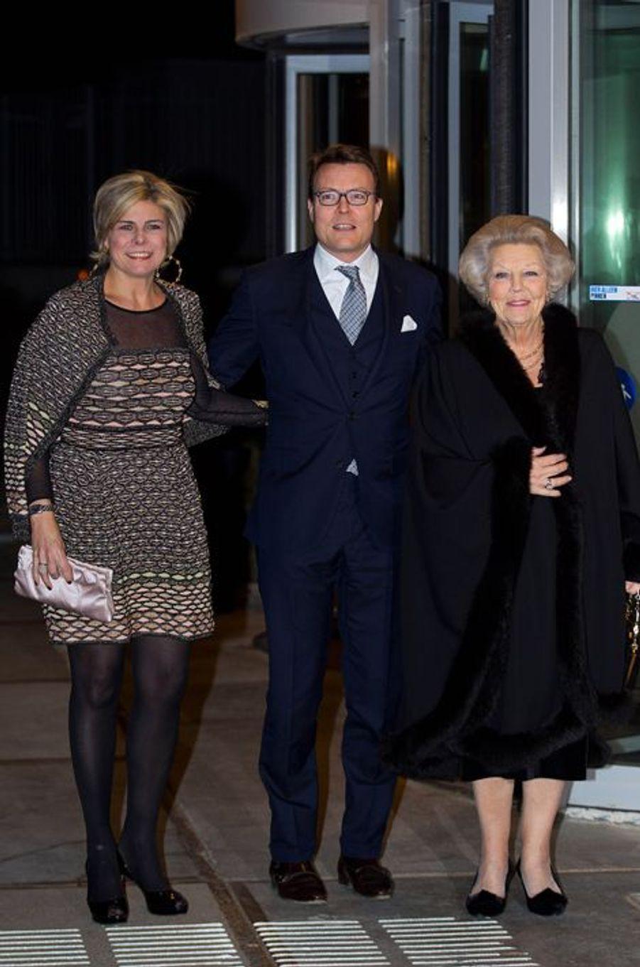 Les princesses Laurentien et Beatrix avec le prince Constantijn des Pays-Bas à La Haye, le 28 janvier 2016