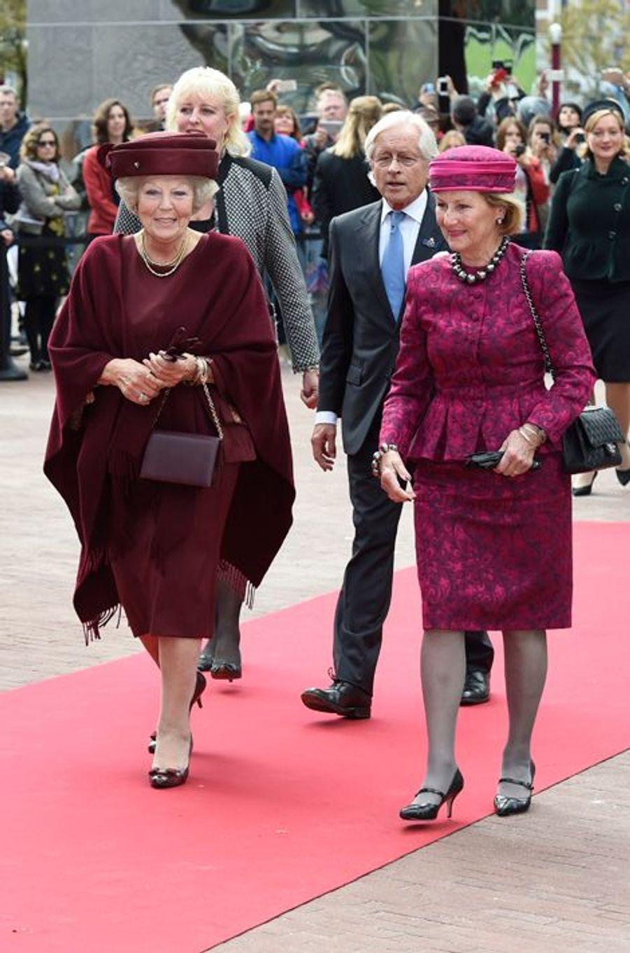 La princesse Beatrix des Pays-Bas et la reine Sonja de Norvège à Amsterdam, le 23 septembre 2015