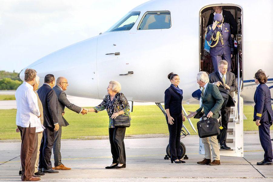 La princesse Beatrix des Pays-Bas arrive sur l'île de Bonaire dans les Caraïbes, le 28 novembre 2018