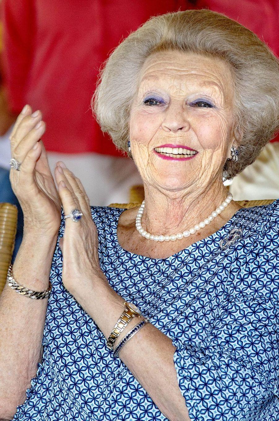 La princesse Beatrix des Pays-Bas sur l'île de Bonaire dans les Caraïbes, le 30 novembre 2018