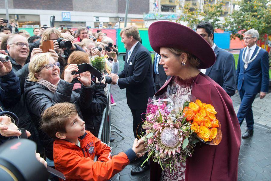 La reine Maxima et le roi Willem-Alexander des Pays-Bas dans la région de l'Eemland, le 24 octobre 2017