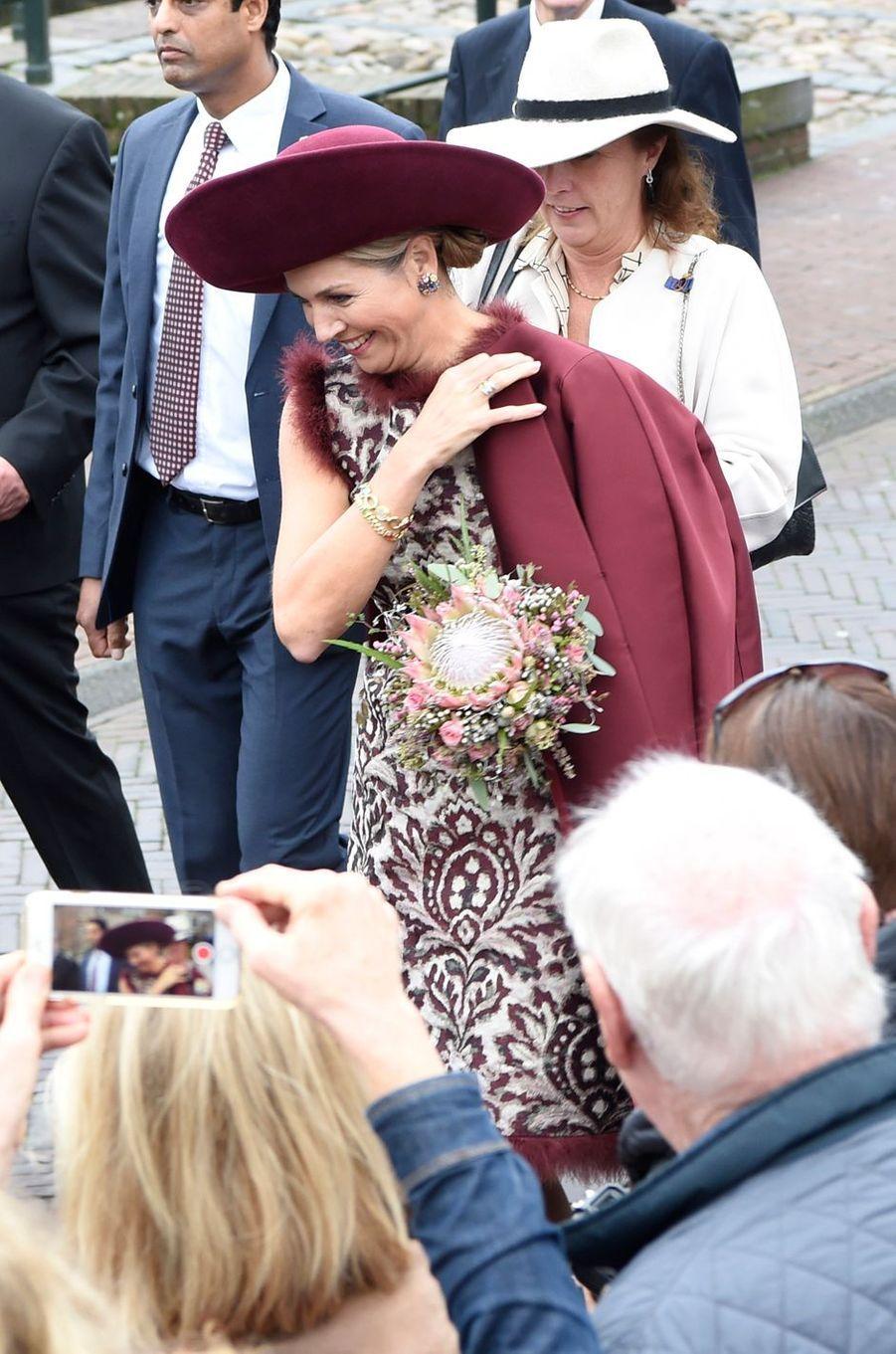 La reine Maxima des Pays-Bas dans une robe Natan dans la région de l'Eemland, le 24 octobre 2017