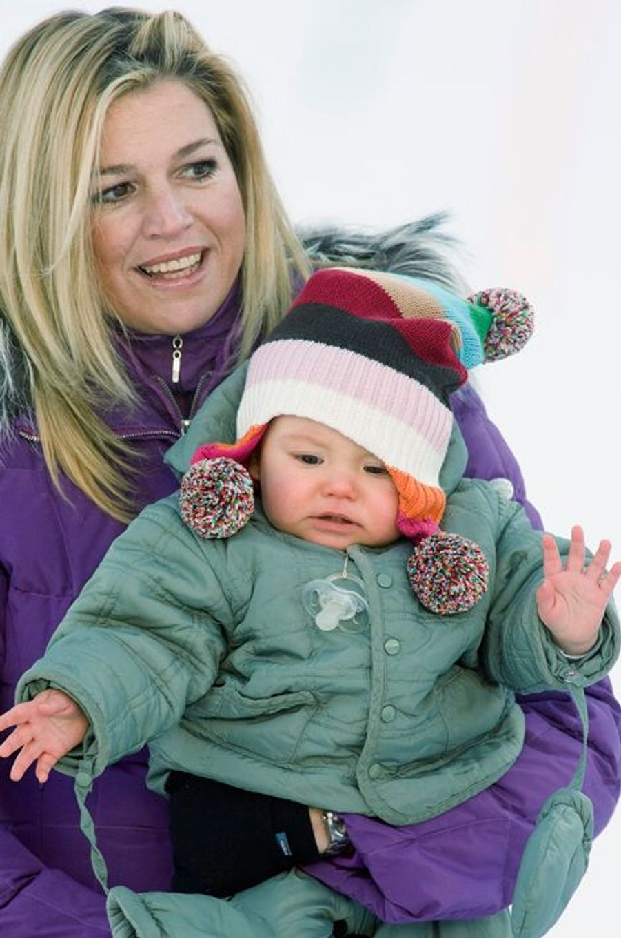 La princesse Ariane des Pays-Bas avec sa mère Maxima, le 10 février 2008