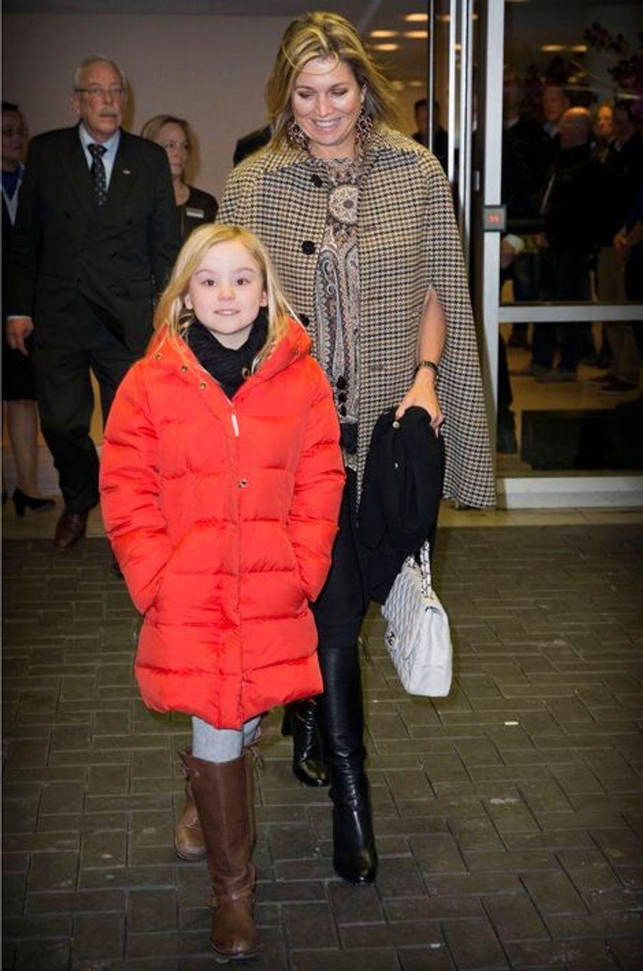 La princesse Ariane des Pays-Bas avec sa mère Maxima, le 1er février 2015