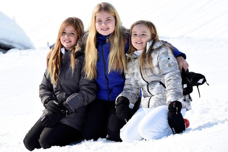 La princesse Ariane des Pays-Bas avec ses soeurs aînées, le 22 février 2016