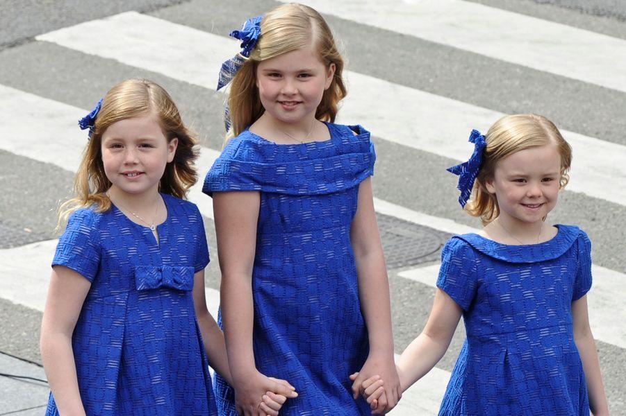 La princesse Ariane des Pays-Bas avec ses soeurs aînées, le 30 avril 2013
