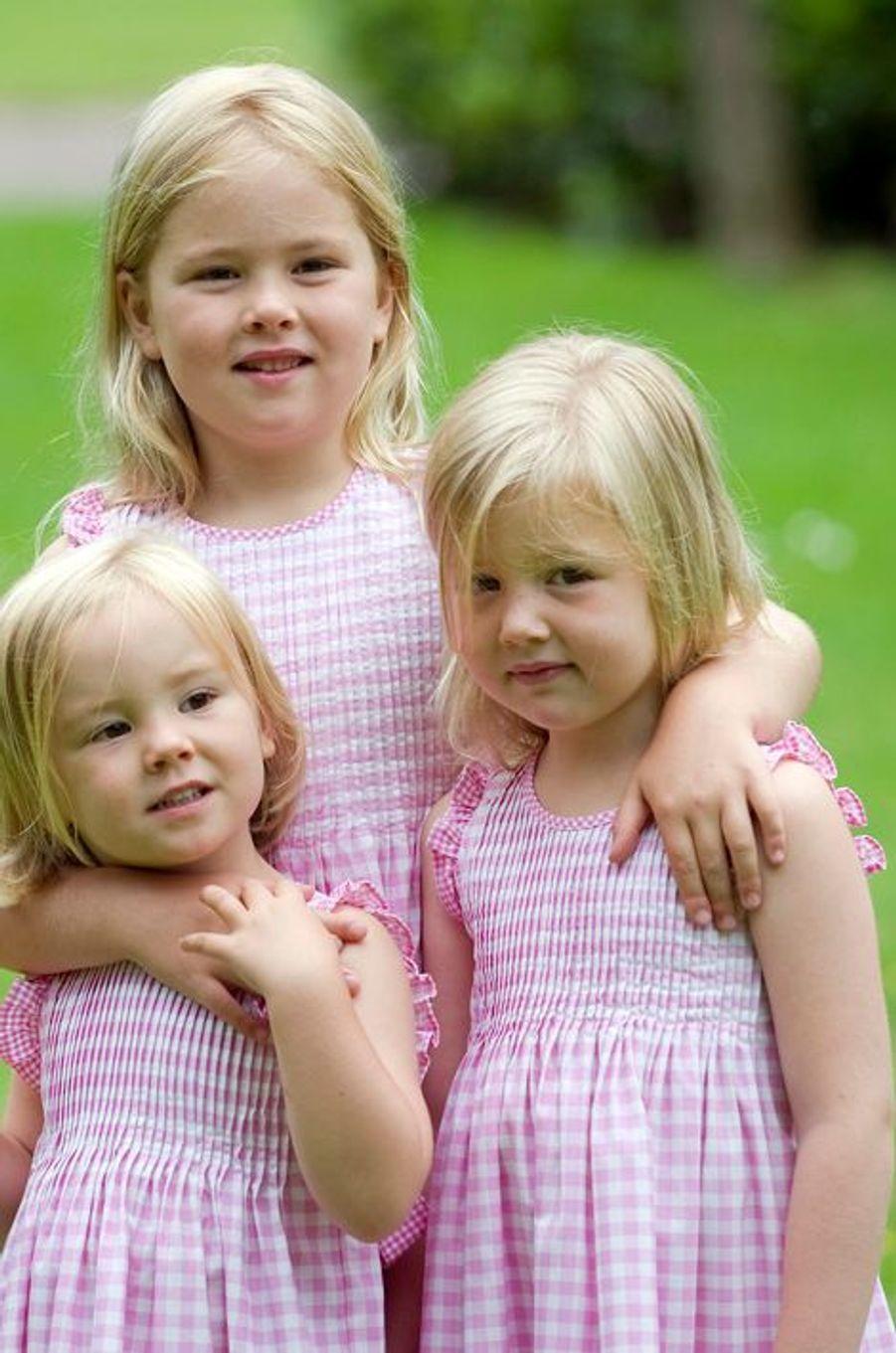 La princesse Alexia (à droite) avec ses soeurs Catharina-Amalia et Ariane, le 5 juillet 2010