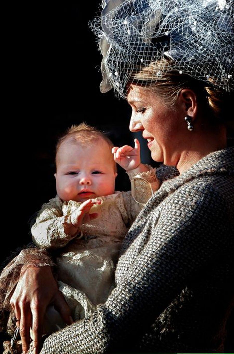 La princesse Alexia avec sa mère Maxima, le 19 novembre 2005