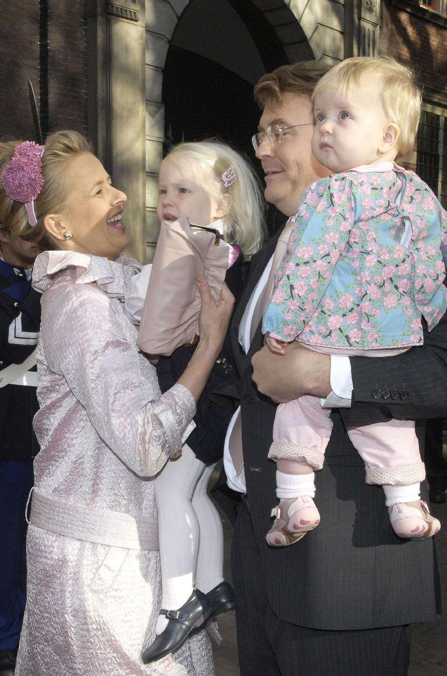 La princesse Mabel et le prince Friso d'Orange-Nassau avec leurs filles, le 20 octobre 2007
