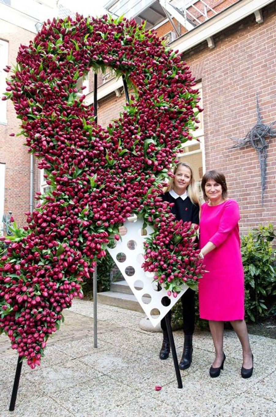 La princesse Mabel des Pays-Bas, avec la ministre Lilianne Ploumen à La Haye, le 9 avril 2015