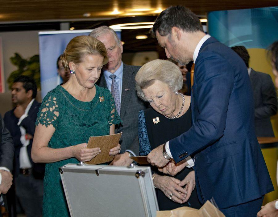 La princesse Mabel et l'ex-reine Beatrix des Pays-Bas à Veldhoven, le 18 mars 2019