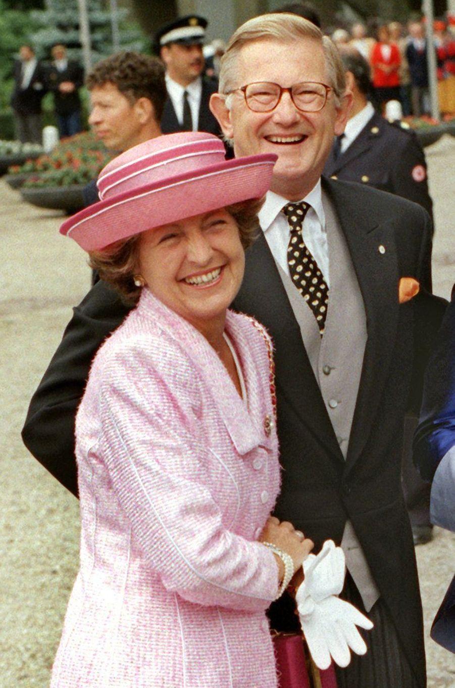La princesse Margriet des Pays-Bas avec son mari Pieter van Vollenhoven, le 30 mai 1998