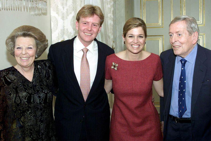 Maxima Zorreguieta et le prince Willem-Alexander, avec la reine Beatrix des Pays-Bas et son mari le prince Claus, le 30 mars 2001