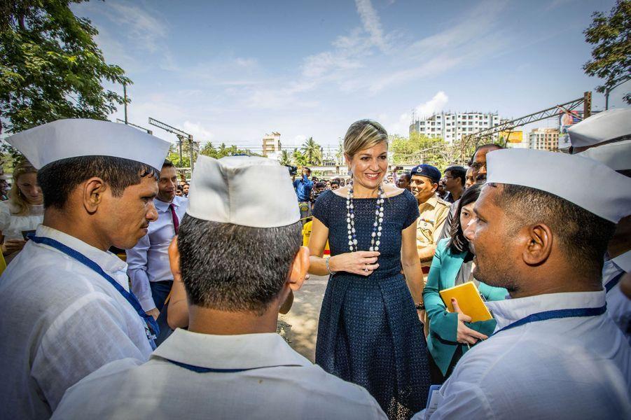 La reine Maxima des Pays-Bas avec des Dabbawalas à Mumbai, le 30 mai 2018