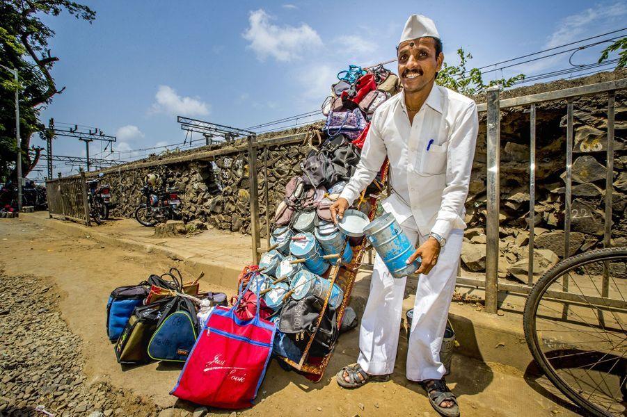 Un dabbawala de Mumbai, le 30 mai 2018