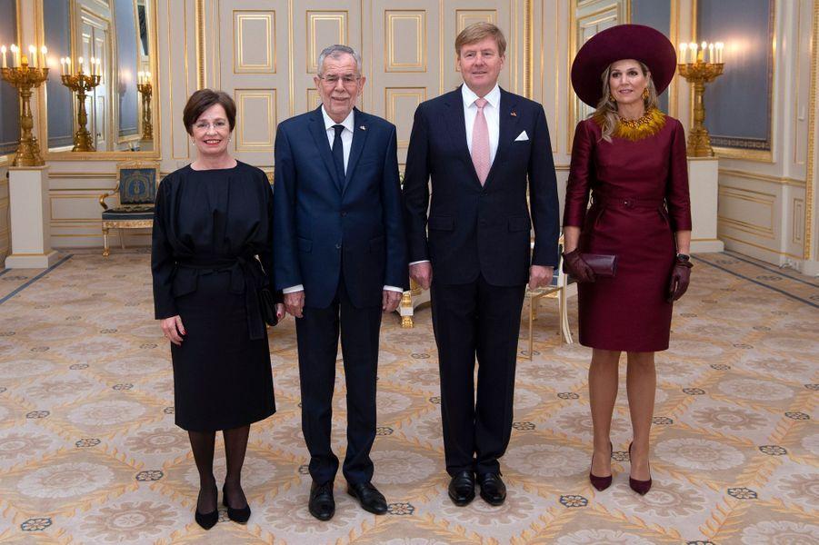 La reine Maxima et le roi Willem-Alexander des Pays-Bas avec le couple présidentiel autrichien à La Haye, le 14 novembre 2018
