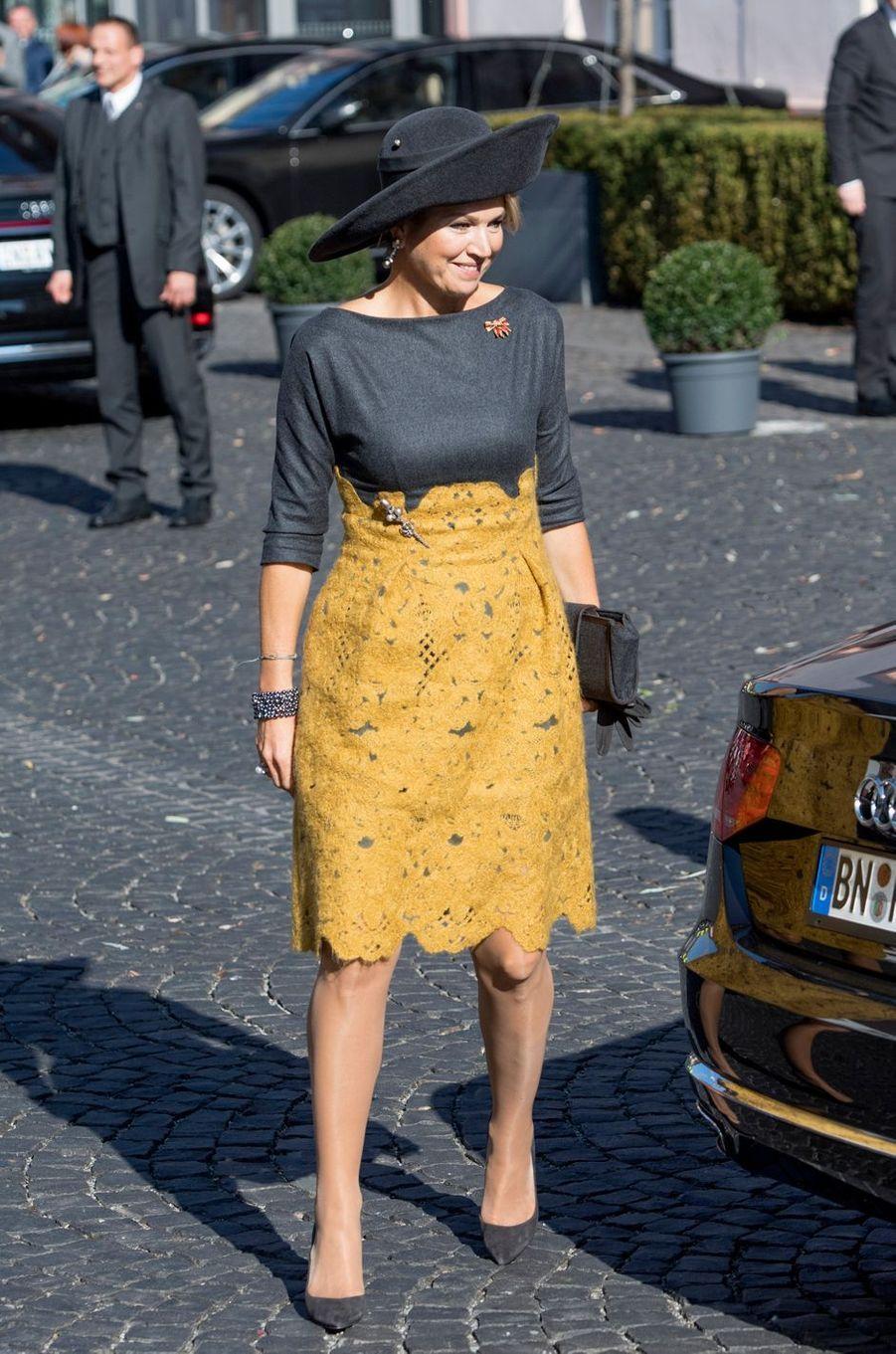 La reine Maxima des Pays-Bas dans une robe Natan à Mayence, le 10 octobre 2018