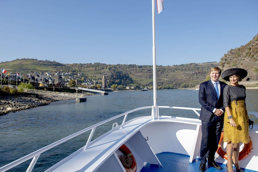 La reine Maxima et le roi Willem-Alexander des Pays-Bas sur le Rhin, le 10 octobre 2018