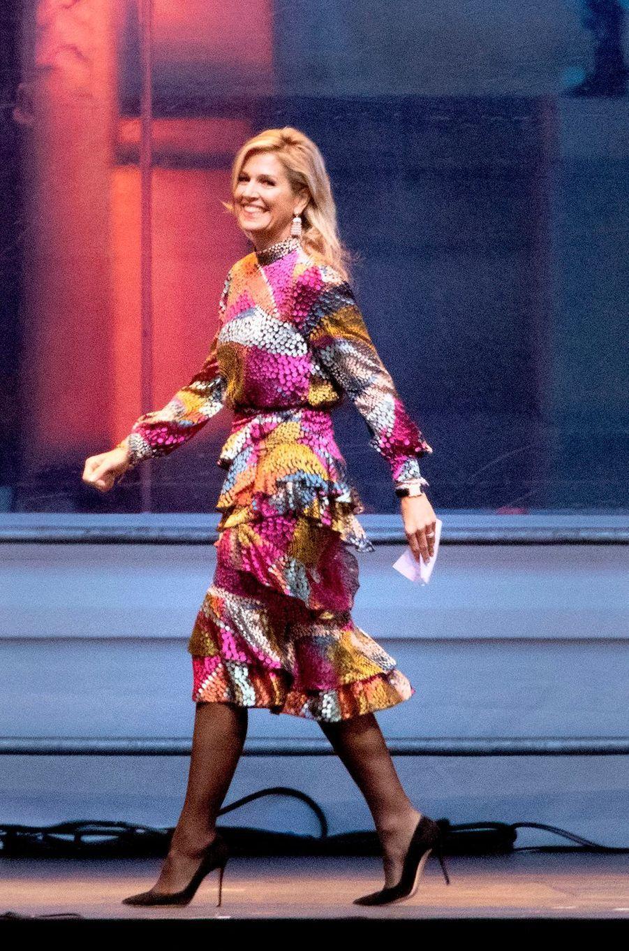 La reine Maxima des Pays-Bas, dans une robe Saloni, à La Haye le 17 octobre 2018 au soir