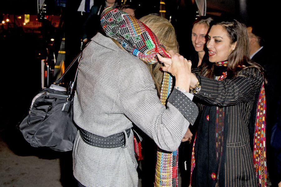 La reine Maxima des Pays-Bas à son arrivée à l'aéroport d'Islamabad, le 9 février 2016