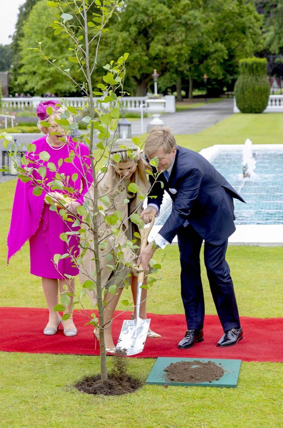 La reine Maxima et le roi Willem-Alexander des Pays-Bas avec la First Lady d'Irlande à Dublin, le 12 juin 2019