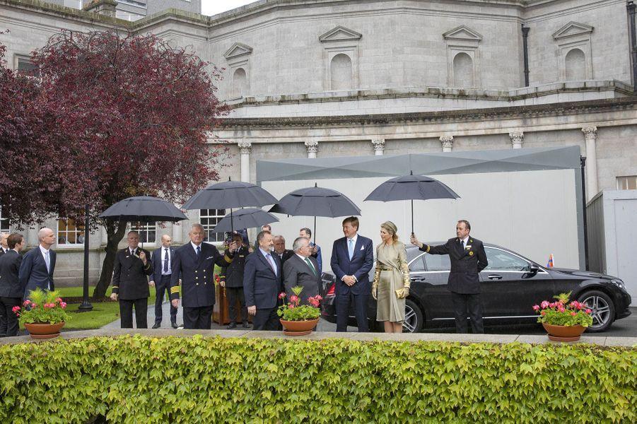 La reine Maxima et le roi Willem-Alexander des Pays-Bas au siège du Parlement à Dublin, le 12 juin 2019