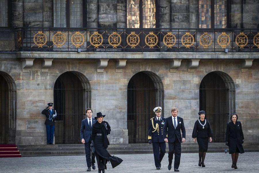 La reine Maxima et le roi Willem-Alexander des Pays-Bas à Amsterdam, le 4 mai 2020
