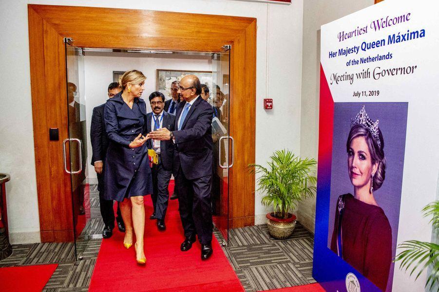 La reine Maxima des Pays-Bas avec le gouverneur de la banque centrale à Dhaka au Bangladesh, le 11 juillet 2019