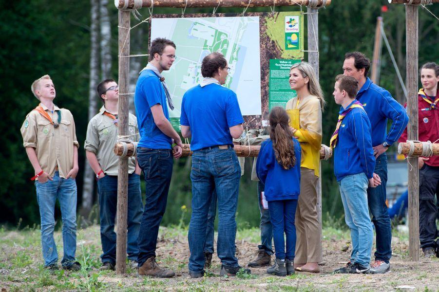 La reine Maxima des Pays-Bas inaugure un camp de scout à Zeewolde, le 13 juin 2015