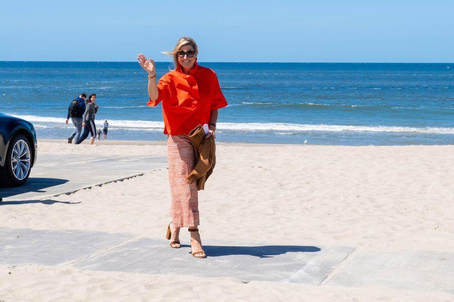 La reine Maxima des Pays-Bas en visite sur l'île de Texel, le 28 mai 2020