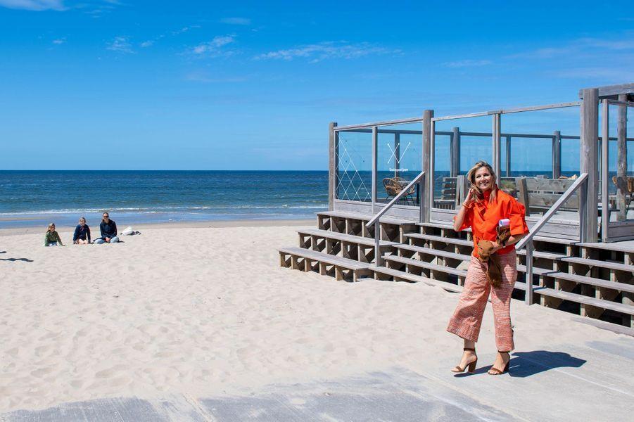 La reine Maxima des Pays-Bas, le 28 mai 2020 sur l'île de Texel