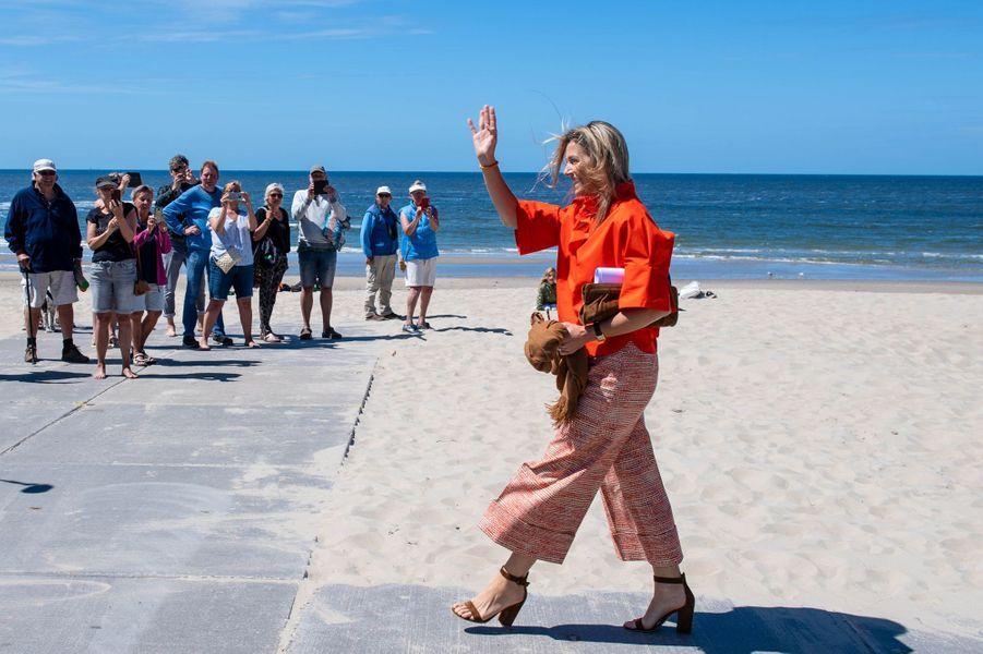 La reine Maxima des Pays-Bas en visite, le 28 mai 2020, sur l'île de Texel