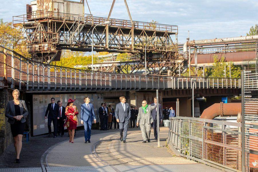 La reine Maxima et le roi Willem-Alexander des Pays-Bas visitent le site de Völklinger Hütte, le 12 octobre 2018