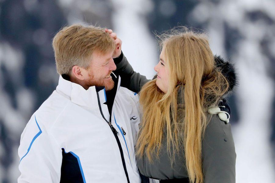Le roi Willem-Alexander des Pays-Bas et sa fille aînée la princesse Catharina-Amalia à Lech, le 25 février 2020