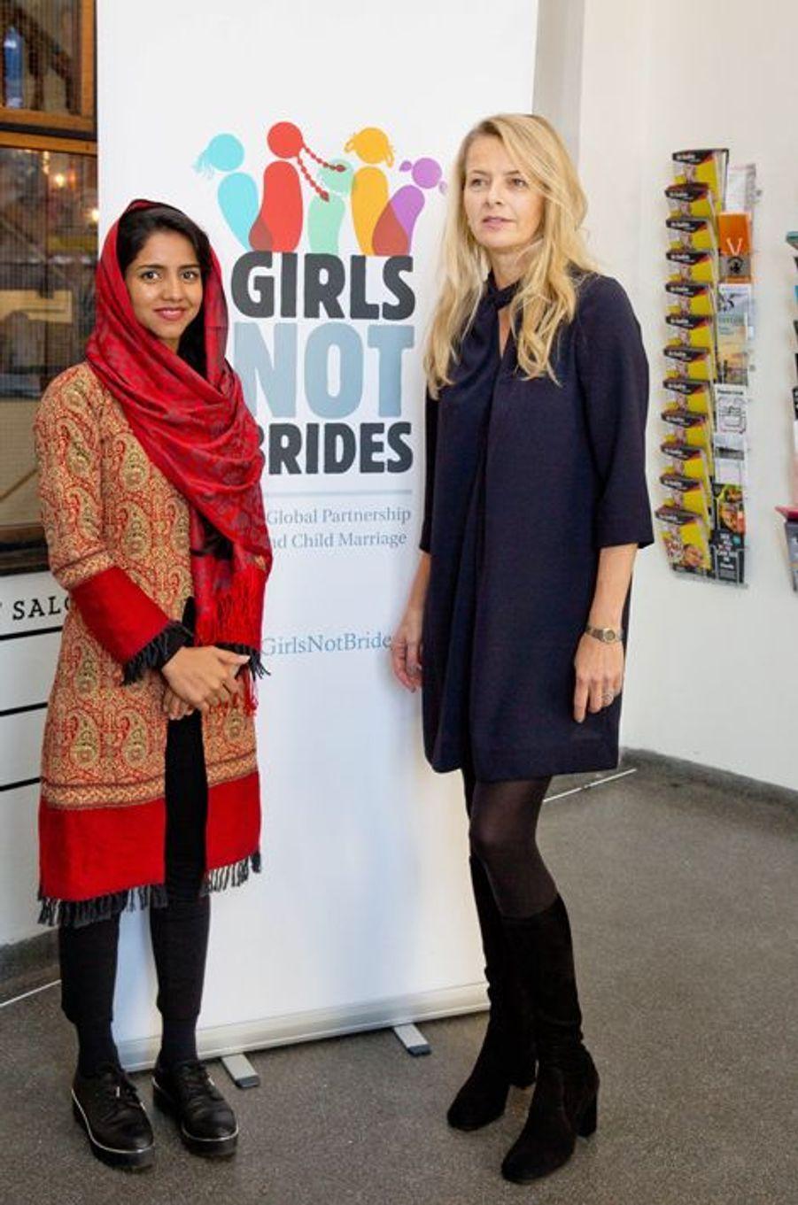 La princesse Mabel des Pays-Bas avec Sonita Alizadeh à Amsterdam, le 23 novembre 2015